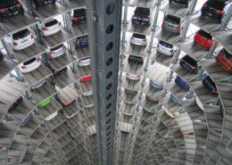 vehicles parked inside elevated parking lot 63294 1 260x185 - 6 sposobów na sfinansowanie auta dla Twojej firmy